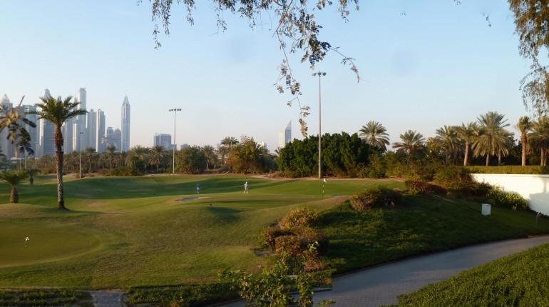 Dubai_–_Marina_-_دبي_–_مارينا_-_Golf_-_Emirates_Hills_2_-_جولف_-_تلال_الإمارات_2_-_panoramio_(3)